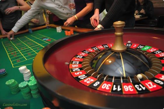 Spille med ægte–256791